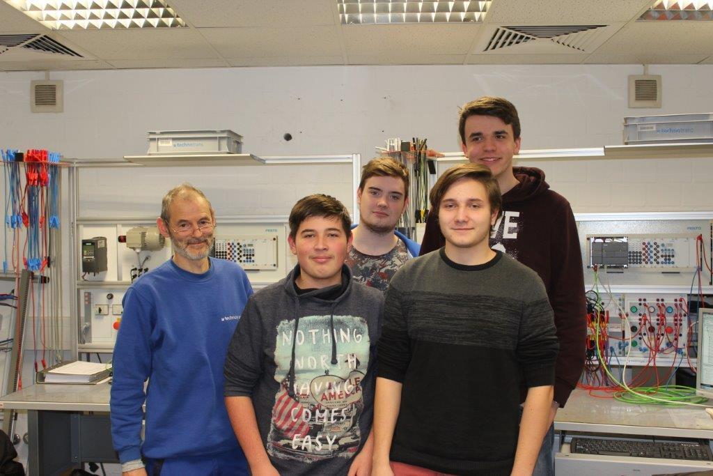 Wir haben erneuten Besuch bei der technotrans AG – Das Schulprojekt des AWG's aus Warendorf